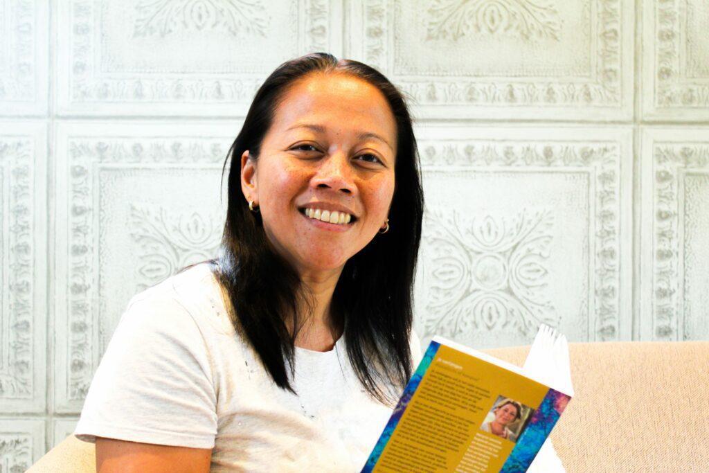Sharon de Groot met boek leeftstijl
